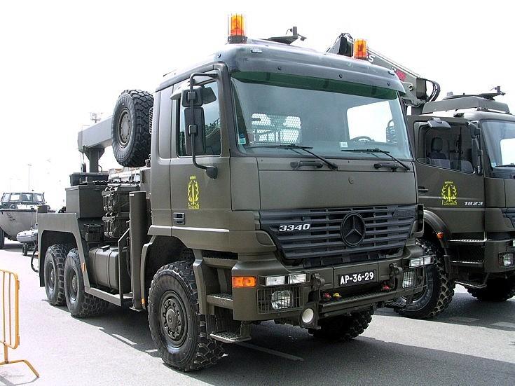 Mercedes 3340 wrecker