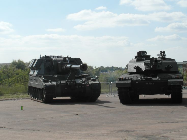AS90 and Challenger  2