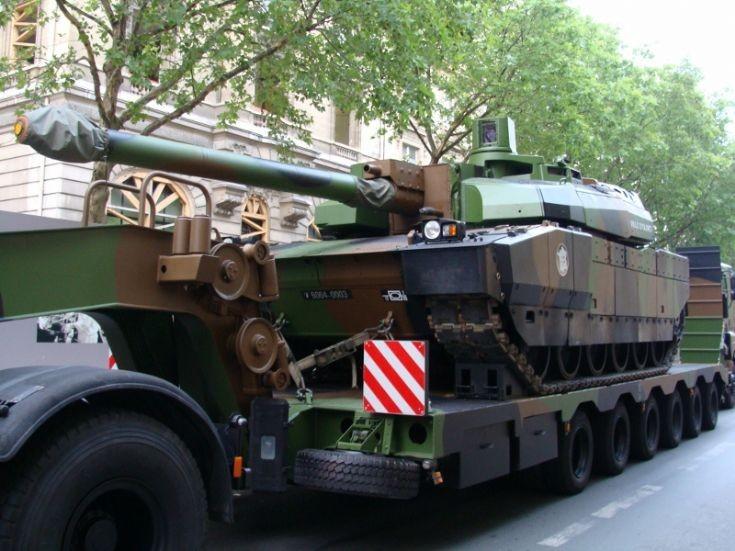 Leclerc Tank - Paris