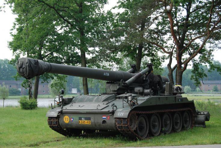 M107 artillery cannon Dutch army 'Aida'
