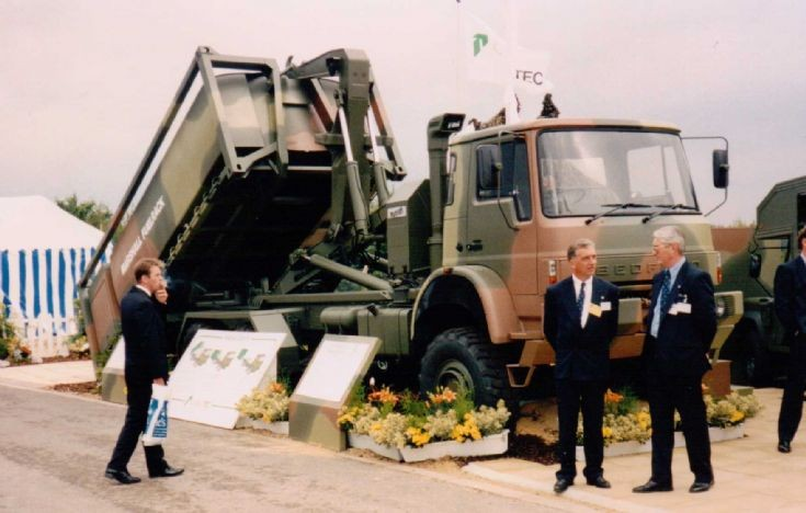 Bedford ML 6x6 - Hooklift