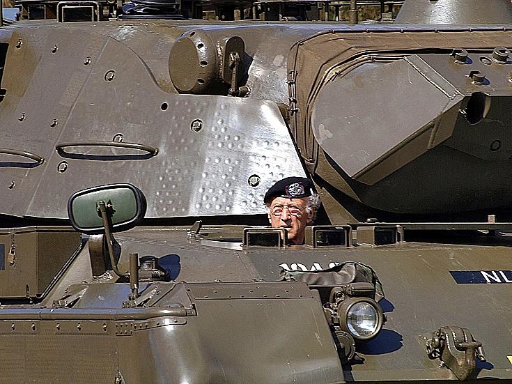 Driving a Leopard 1V