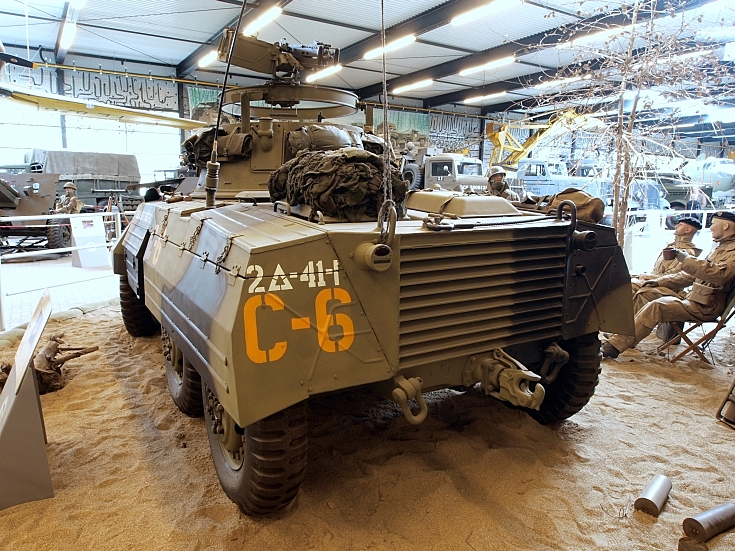 M8 Greyhound in dessert colours