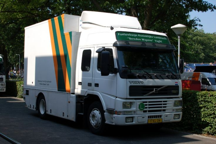 Volvo FM7 lorry 17-KL-04
