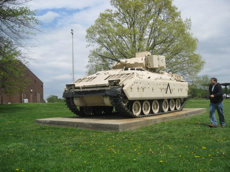 US Army M2 Bradley Infantry Fighting Vehicle