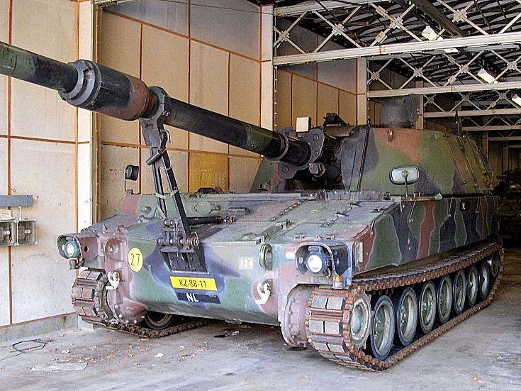 M109 A2/A3 howitzer