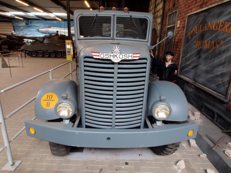 4x4 Oshkosh W709-C-T-5