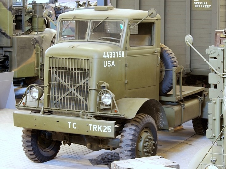 Photo of Autocar U7144T