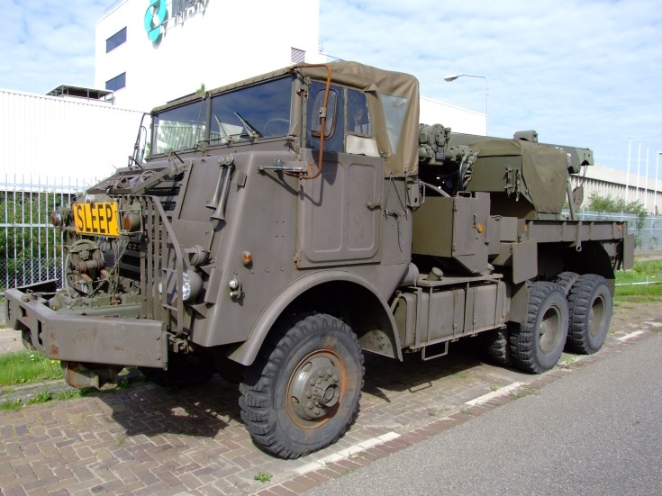 DAF YB-616 military tow truck