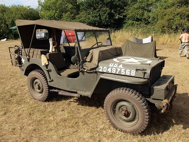 Hotchkiss/Willys M201 at War & Peace Show