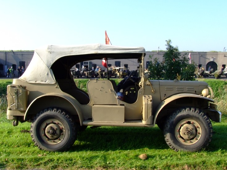 Unidentified canvas top army 4x4