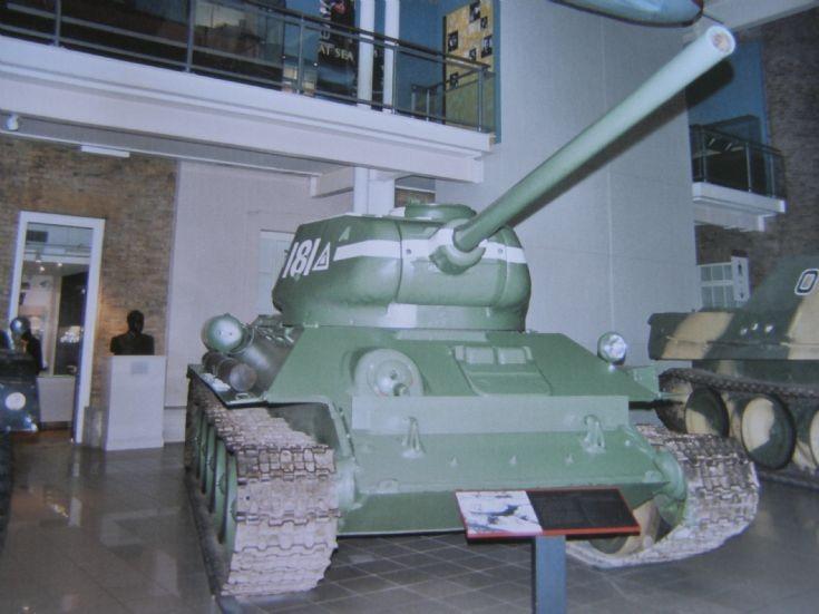 T-34/85 Soviet Tank Model 1944