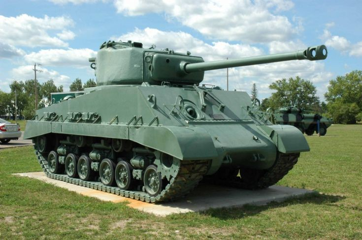 Canadian Sherman M4A2E8(76) HVSS tank