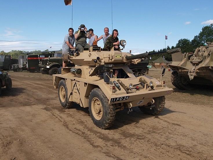 Fox Armoured Car CVR(W) FV721