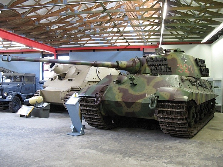 Panzerkampfwagen VI Tiger II Königstiger B 321