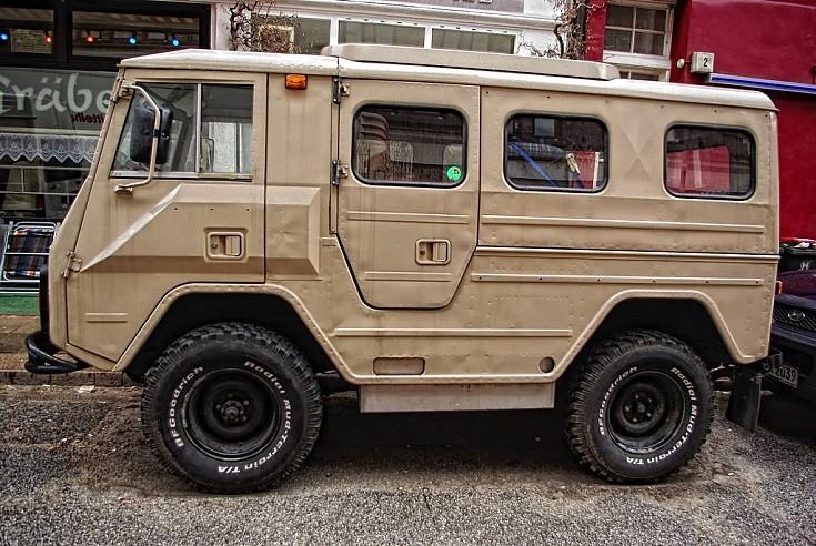 Military Vehicle Photos - Volvo C202 'Lapplander'