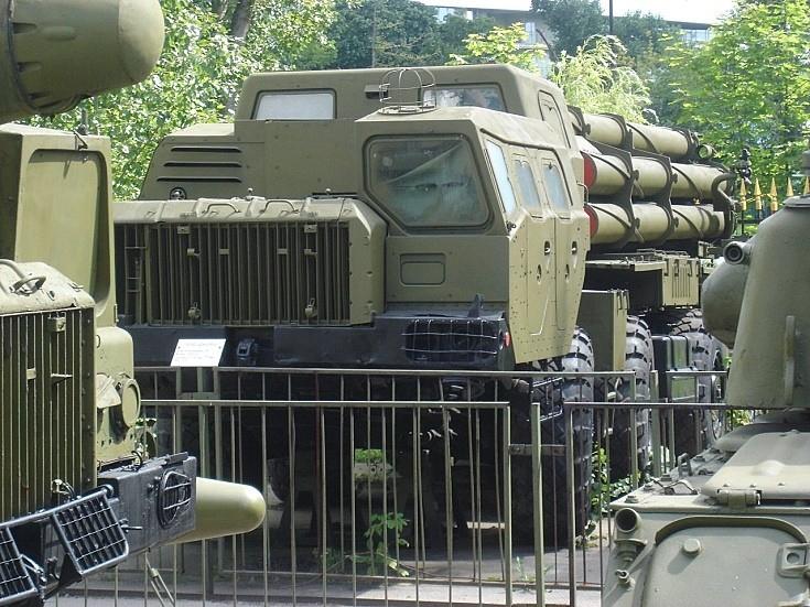 MAZ-543