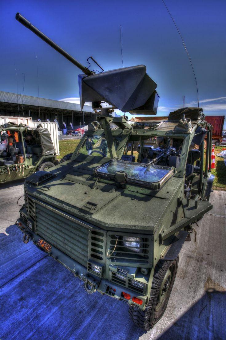 Lighweight assault vehicle