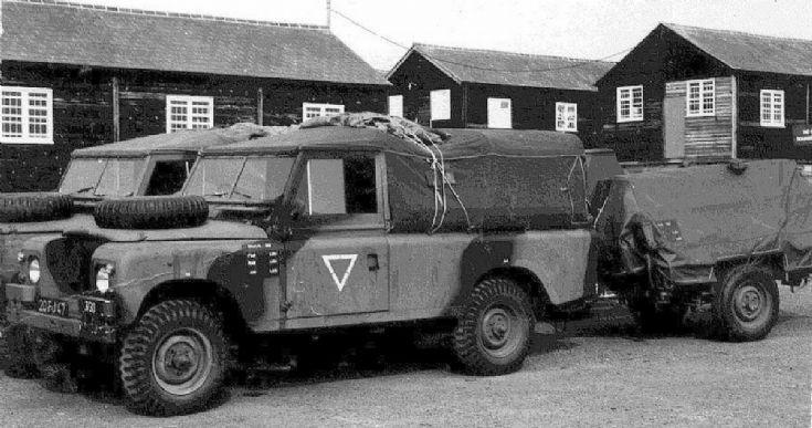 Landrover and antenna trailer