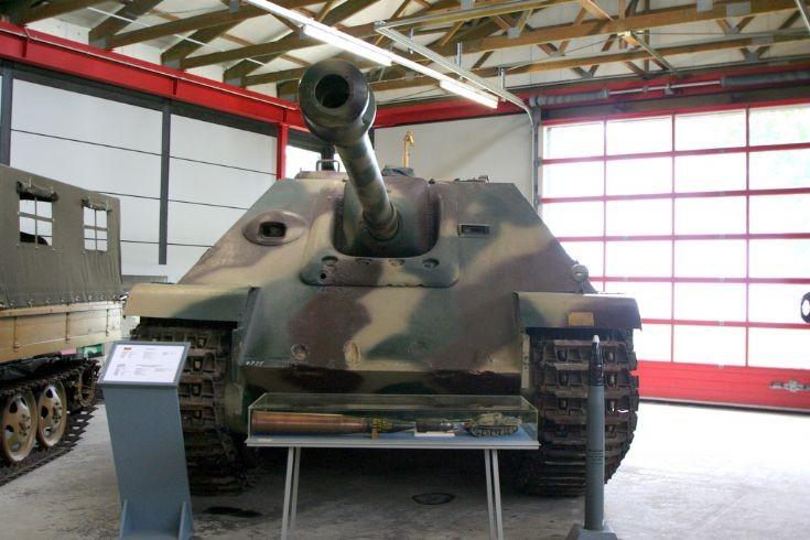 Jagdpanzer V