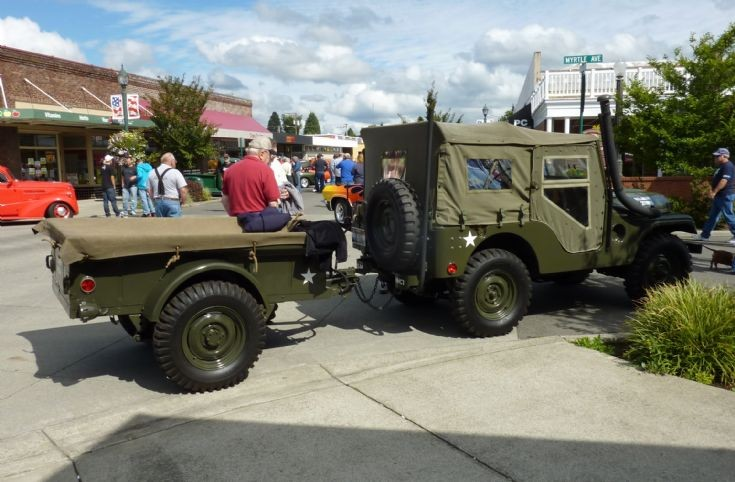 WWII Jeep & Trailer