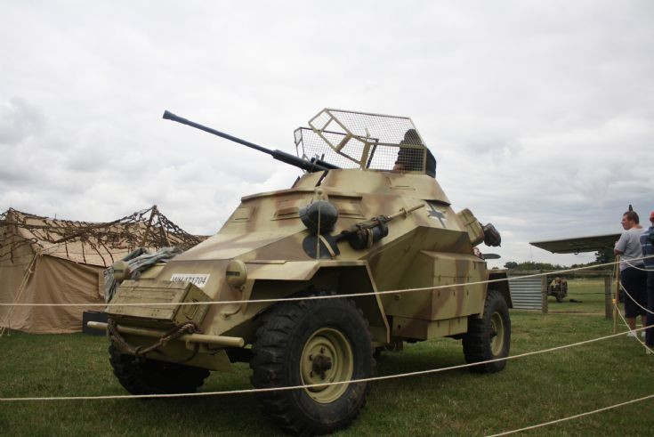Leichter Panzerspähwagen SdKfz. 221