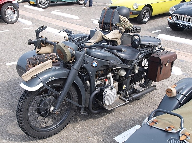 Photo of BMW R12 military motorcycle
