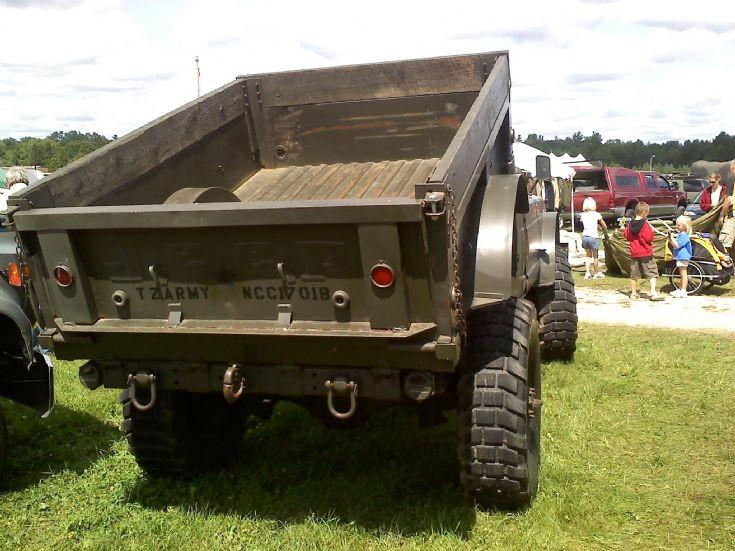Kaiser Jeep M-715 Truck, Cargo, 5/4 Ton, 4X4 rear