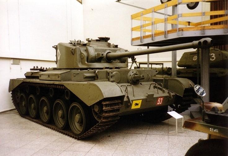 Cromwell - Cruiser Tank - 6 pounder gun in Dresden