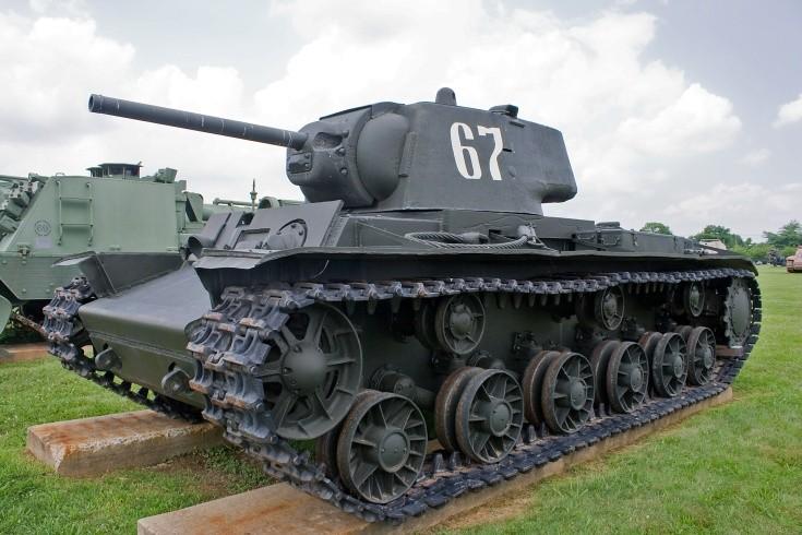 Russian KV-1 Heavy Tank