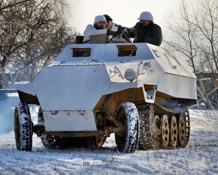 Sd.Kfz. 251 in action