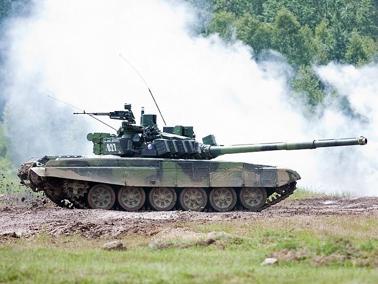 Czech T-72 MBT in action