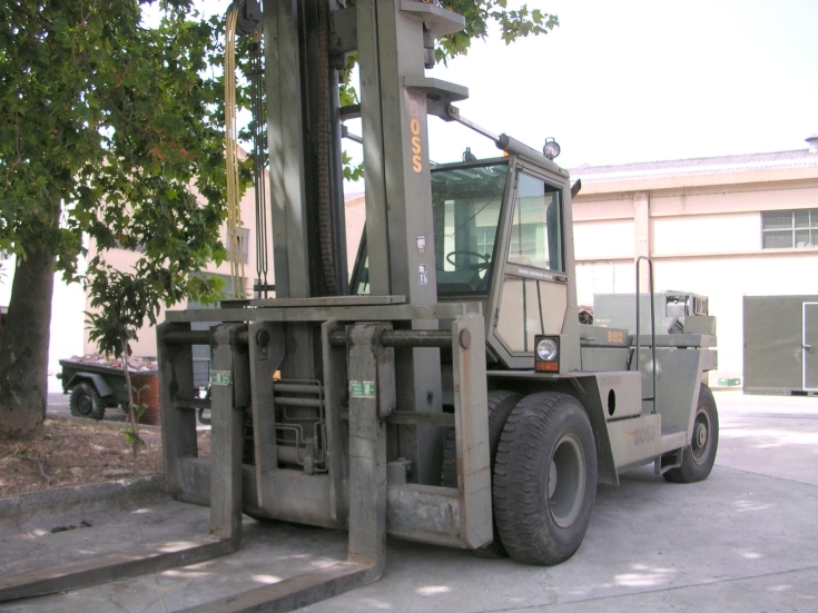 Lancer Boss Container handler and Forklift