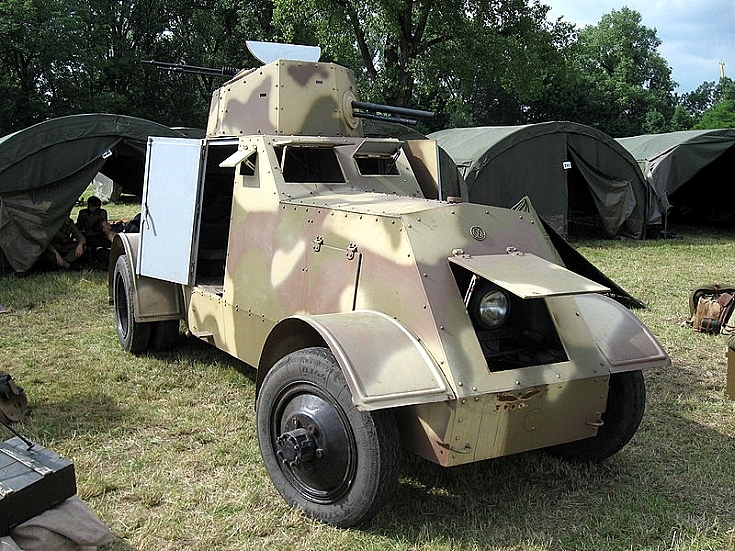 Armored car design 29 Ursus (Replica)