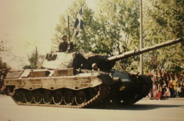 Leopard 1V (Verbeterd) in parade
