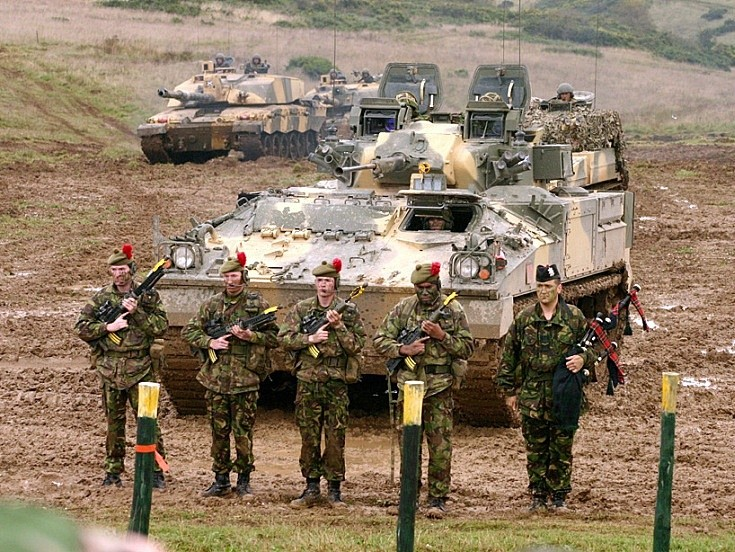 Warrior, Challenger 2 and infantry