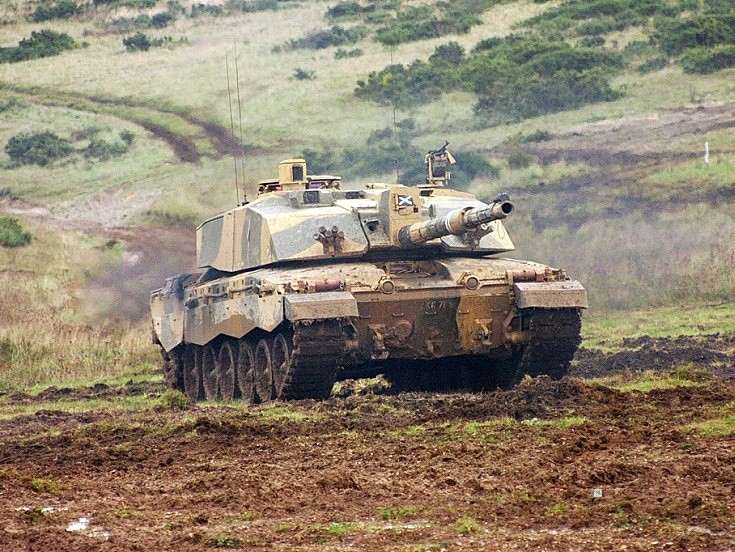 Challenger 2 on Salisbury Plain