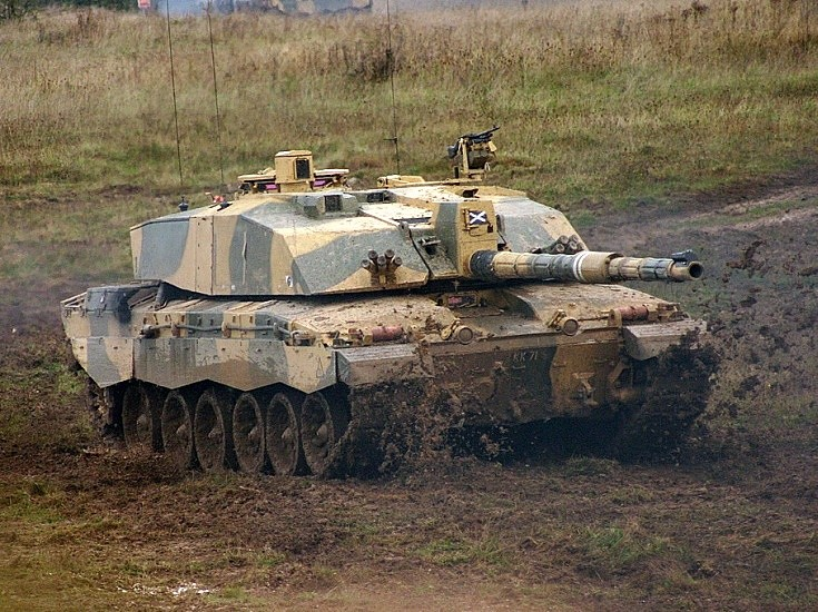 Challenger 2 on Salisbury Plain in action