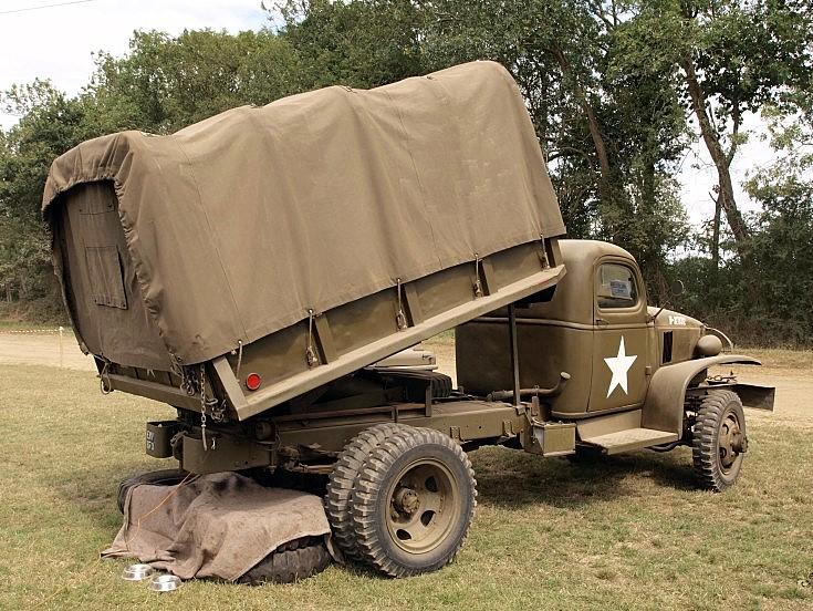 Military vehicle photos chevrolet 1 5 ton dump truck