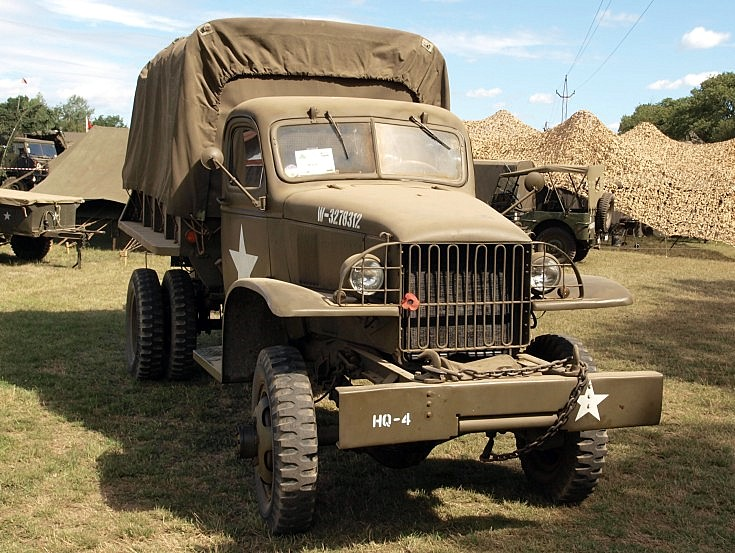 Military Vehicle Photos - Chevrolet 1 5 ton Dump Truck at