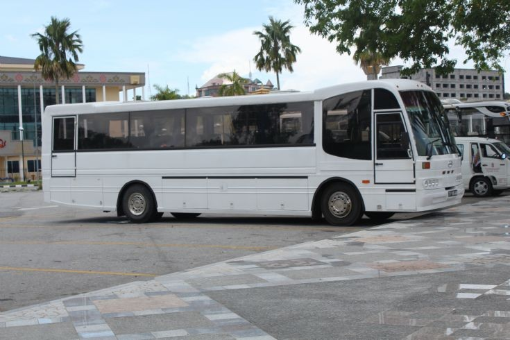 Unmarked BFB Hino coach