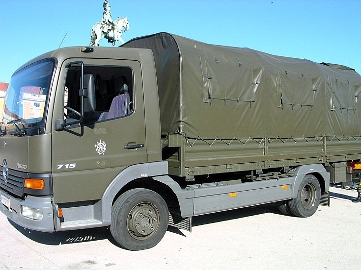 Mercedes 715
