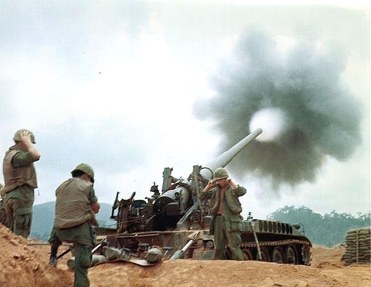M107 175 mm self-propelled gun