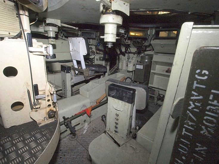 military vehicle photos interior of the apc m113 c v. Black Bedroom Furniture Sets. Home Design Ideas