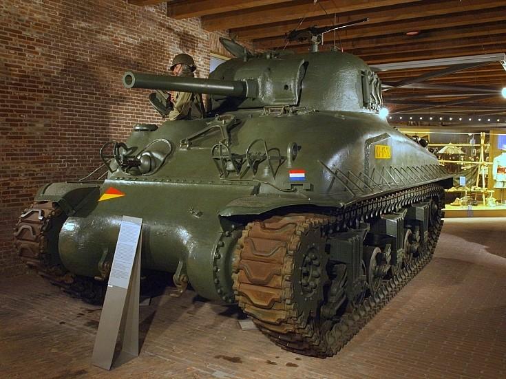 M4A1(76)W E9 Sherman