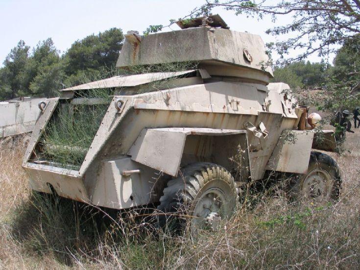 Overgrown Humber Mk IV