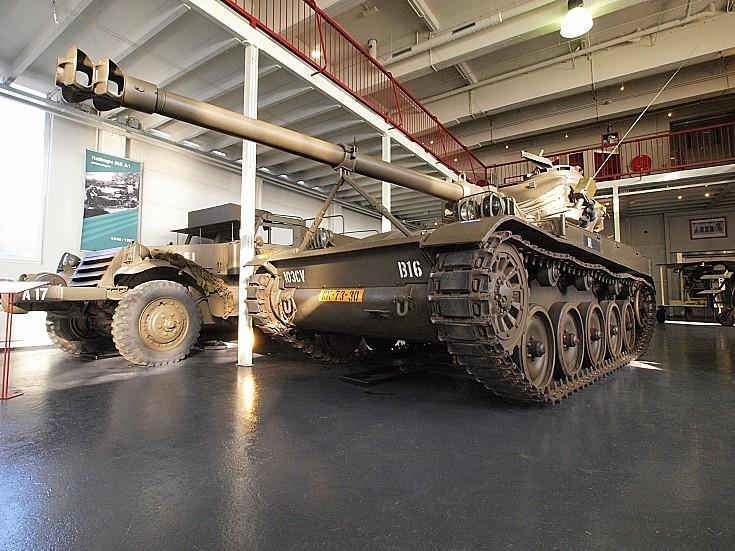 AMX-13 Lt tank 2D 105 mm KN-73-30
