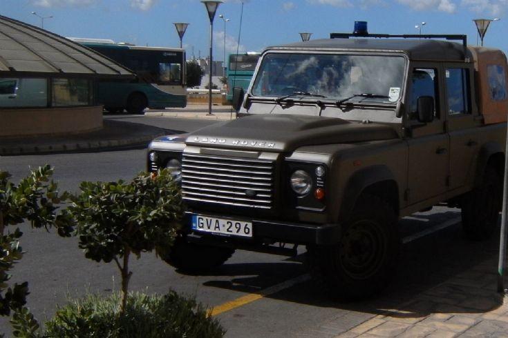 Land Rover Defender,Crew Cao,GVA-296