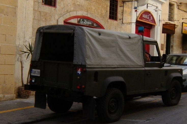 Land Rover Defender,,GVA-239,rear