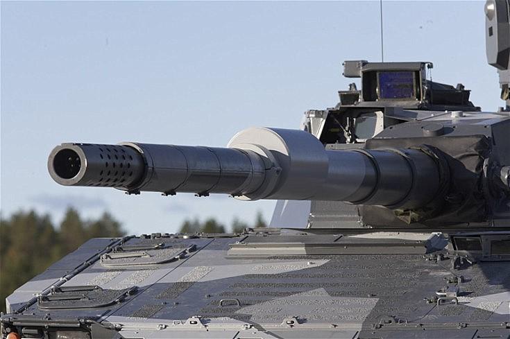 CV90120 cannon
